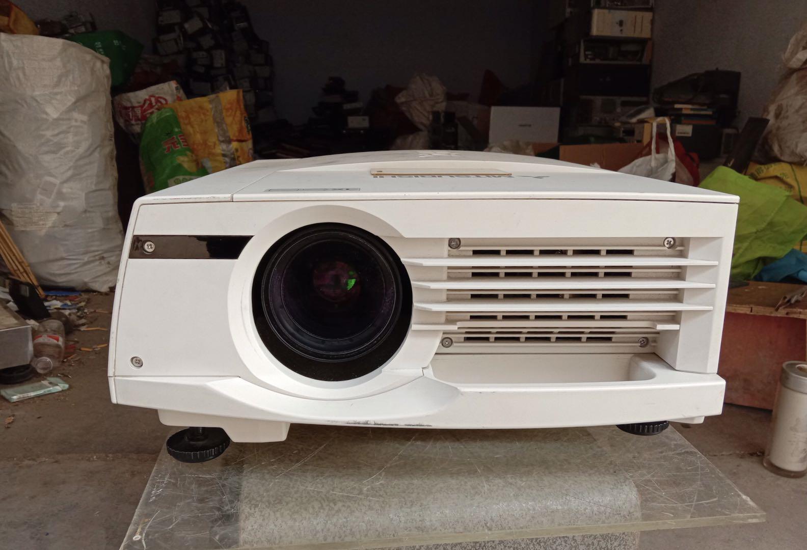 二手三菱工业投影机,型号LX-7300LS晶度很好