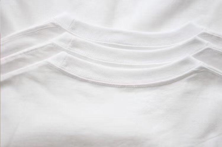 纯色百搭短袖