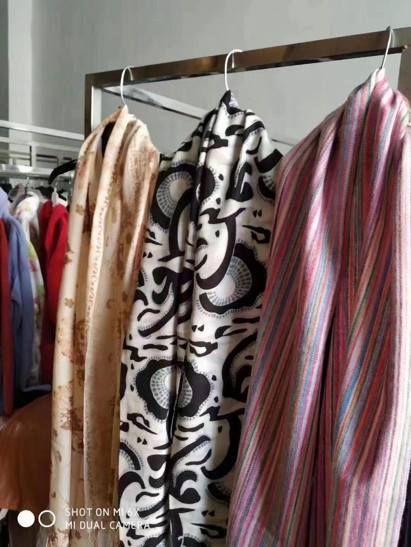 电商下架围巾🧣135000条,羊绒和巴黎莎面料,品质非常好 支持散批
