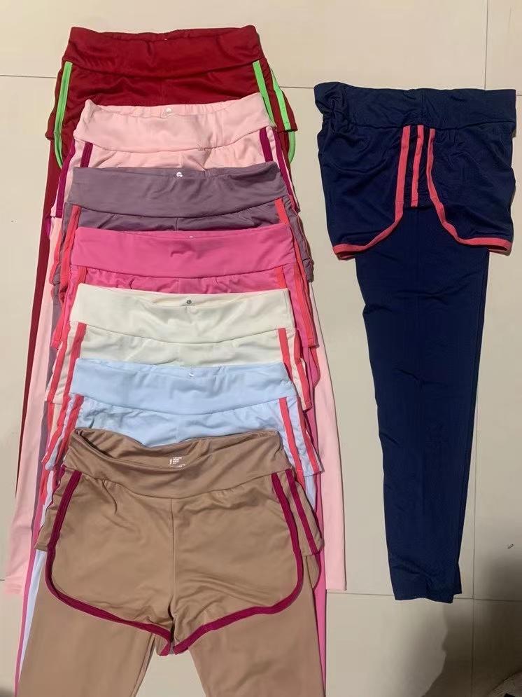 便宜处理,外贸,假两件瑜伽裤3628件,颜色漂亮,M,L两个码,弹力够大,五件一包装,能做的联系